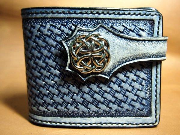 кожаный кошелек на кнопке фото
