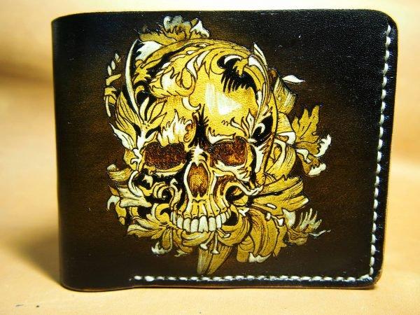 кошелек череп в лилиях фото
