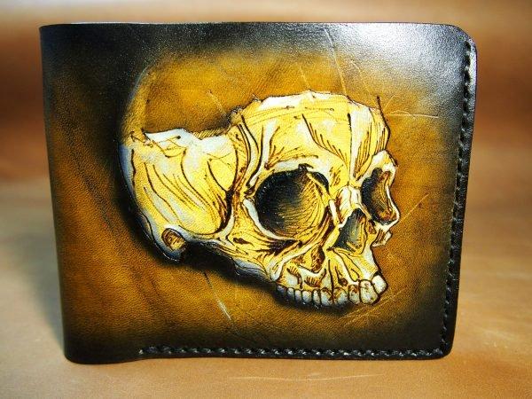 кожаный коричневый кошелек с рисунком черепа фото 2