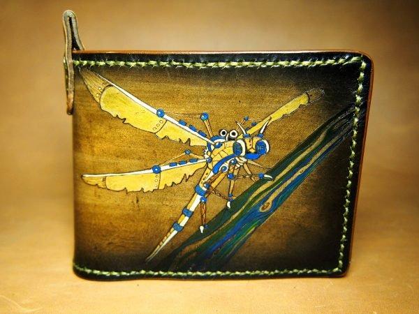 кожаный коричневый кошелек стрекоза фото