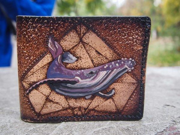кожаный кошелек с китом фото