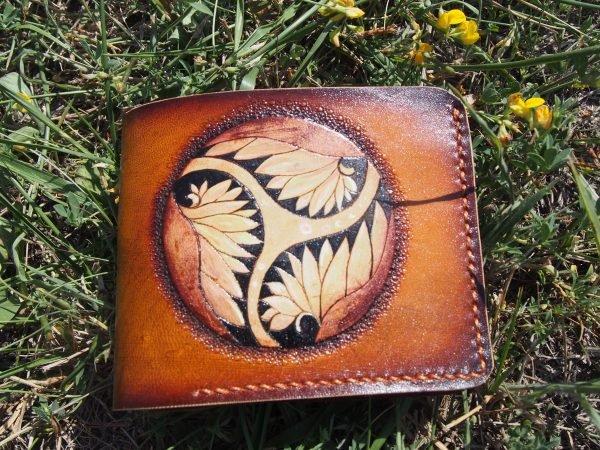 кожаный кошелек лотос фото