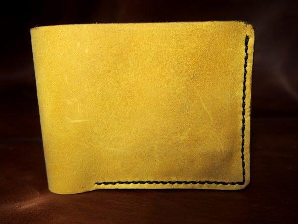кожаный желтый кошелек фото