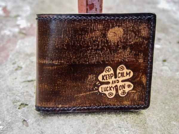 кожаный кошелек с клевером фото