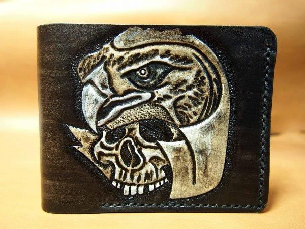 кожаный кошелек с тиснением череп с орлом фото 1