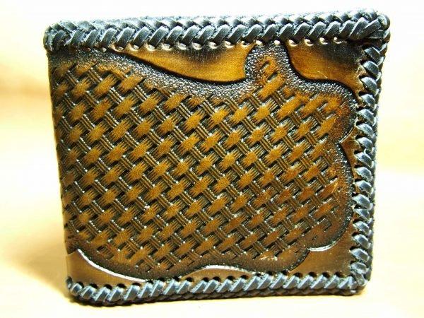 кожаный кошелек с тиснением фото