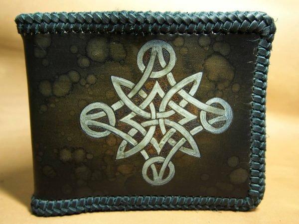 кожаный кошелек с кельтским узором фото