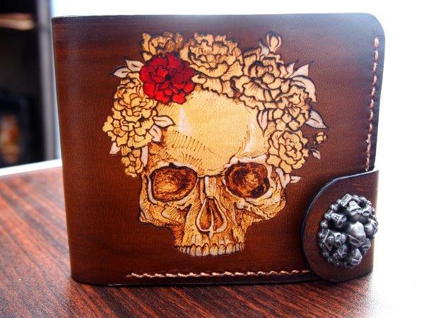 кожаный кошелек череп с розой в венке фото