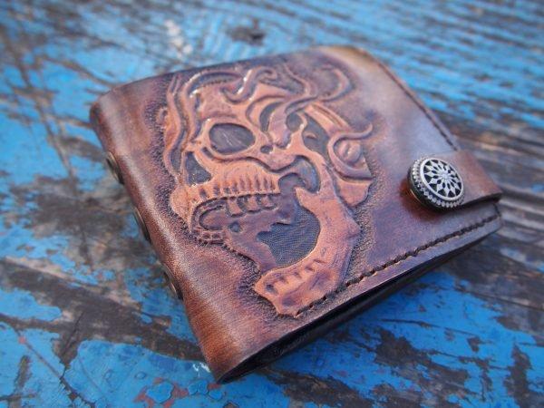 кожаный кошелек для мотоциклиста с черепом 1