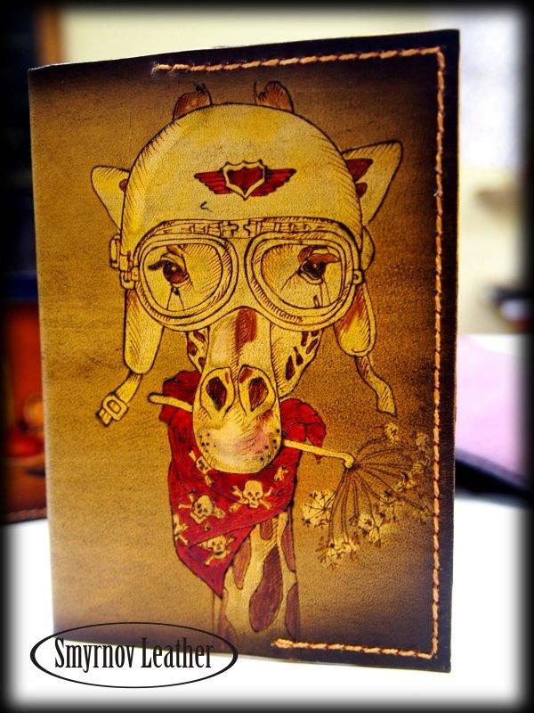 Кожаная обложка на паспорт Жираф фото