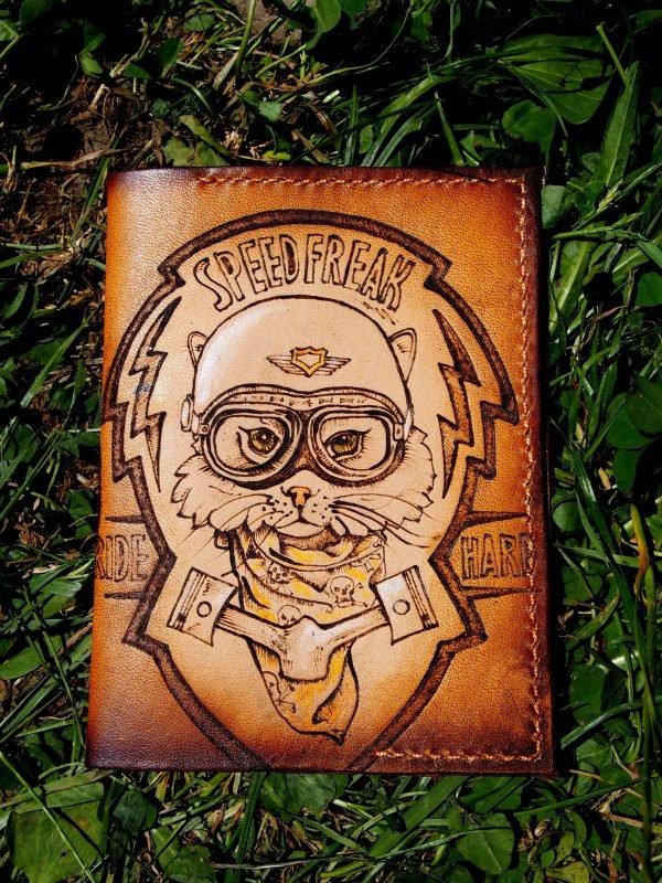 Кожаная обложка на паспорт Кот фото