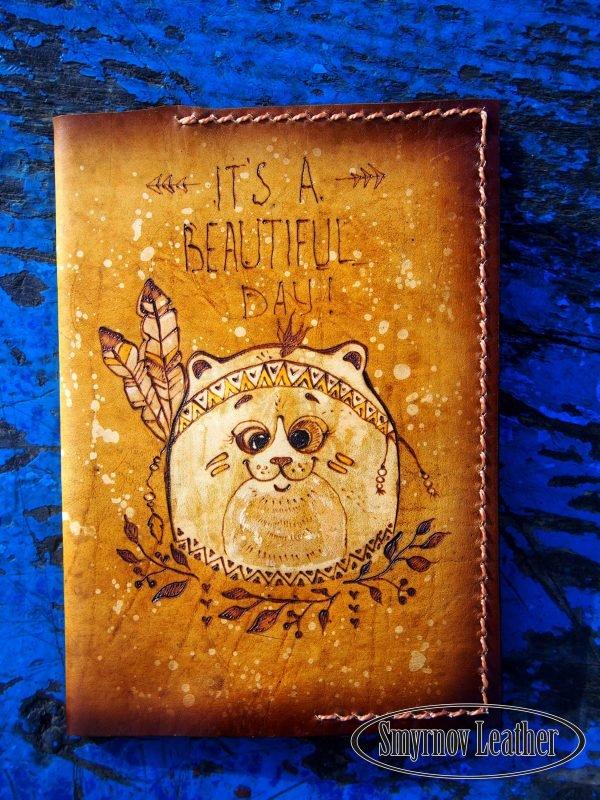 Кожаная обложка на паспорт Круглый кот фото