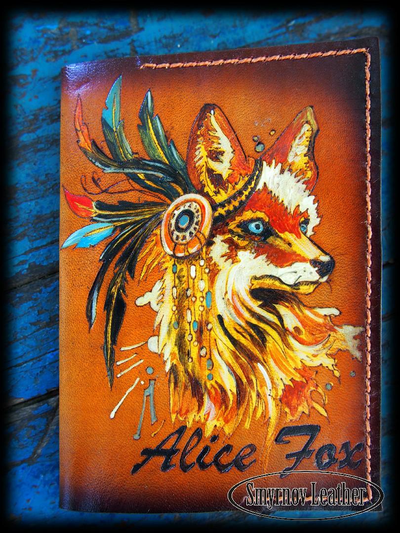 Кожаная обложка на паспорт Лиса фото