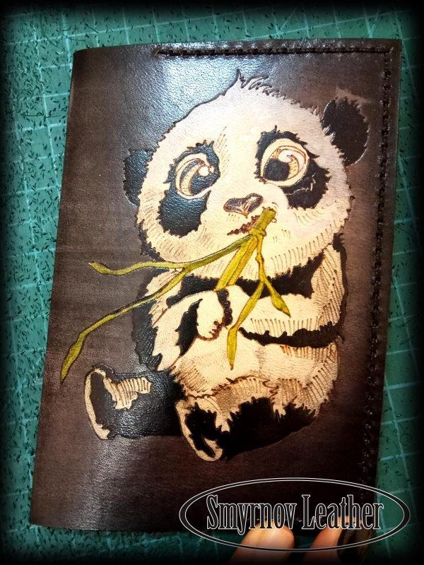 Кожаная обложка на паспорт Панда фото