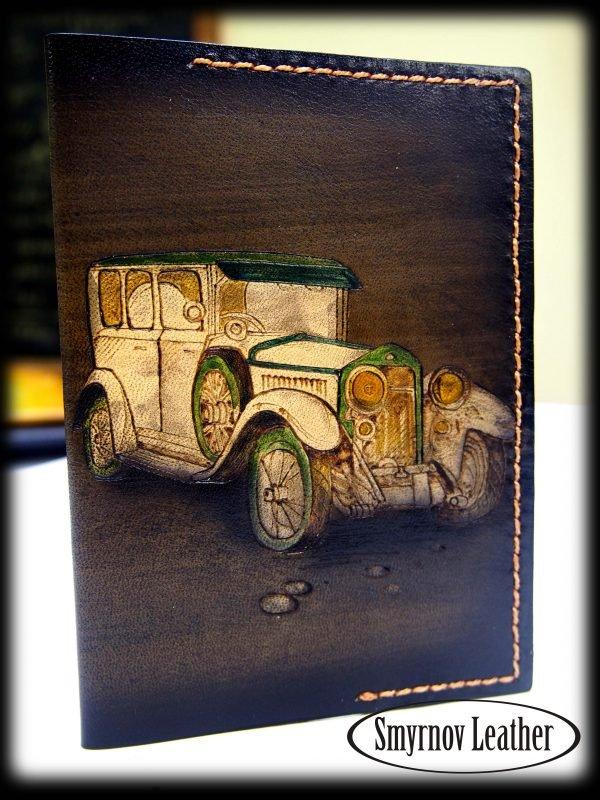Кожаная обложка на паспорт Автомобиль фото