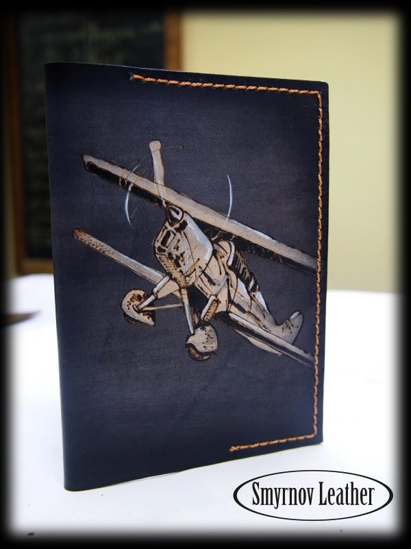 Кожаная обложка на паспорт Самолет