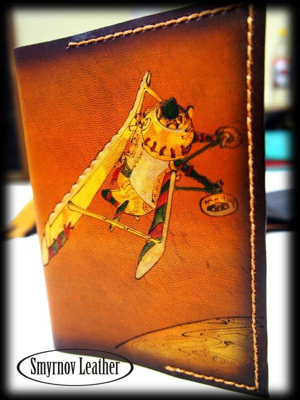 Кожаная обложка на паспорт Желтый самолет фото