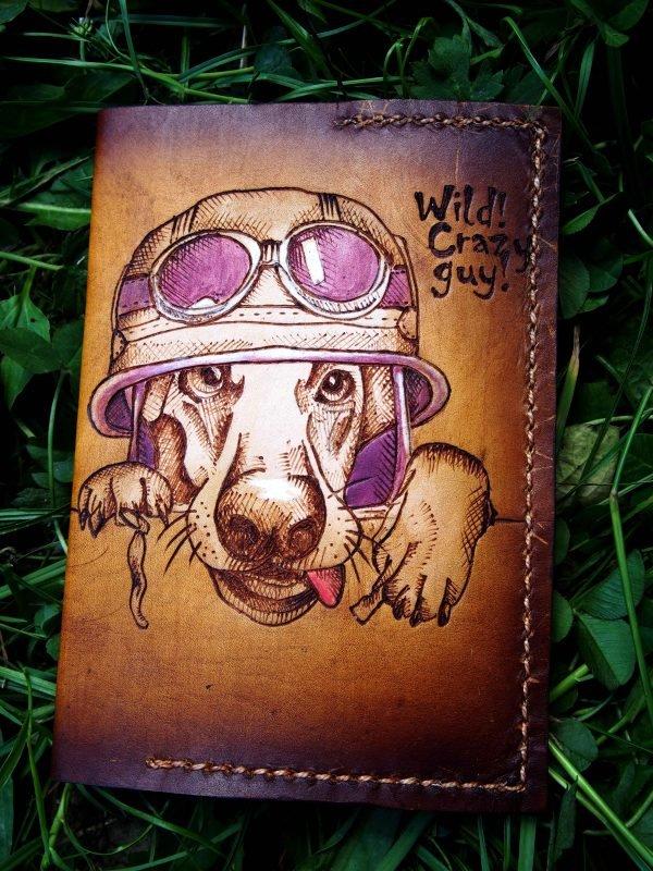 Кожаная обложка на паспорт Собака фото