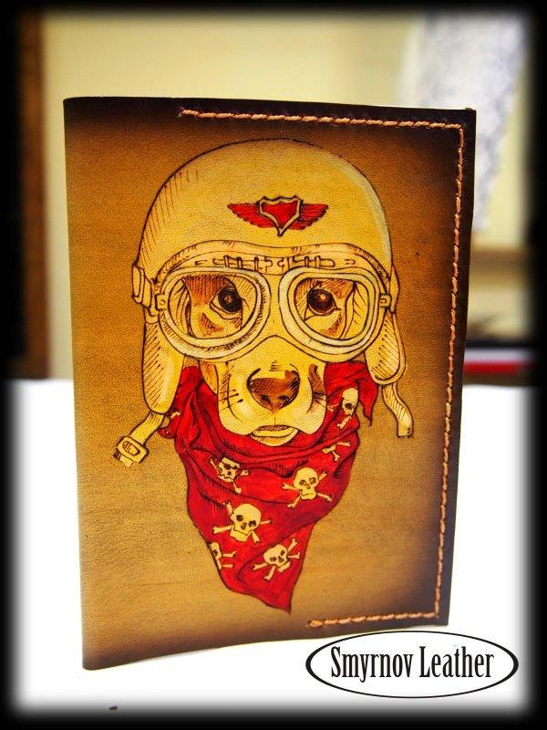 Кожаная обложка на паспорт Собака в шлеме (Cobl33а) фото