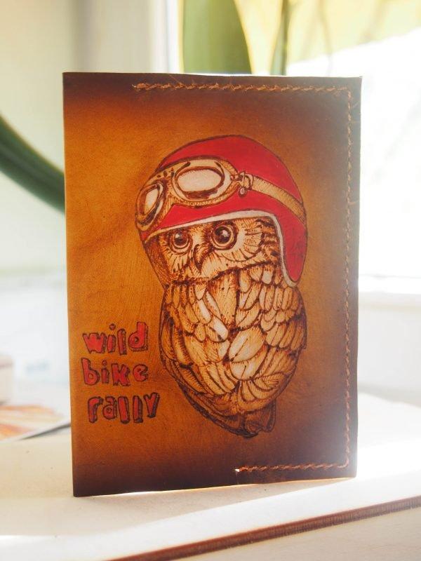 Кожаная обложка на паспорт Сова фото