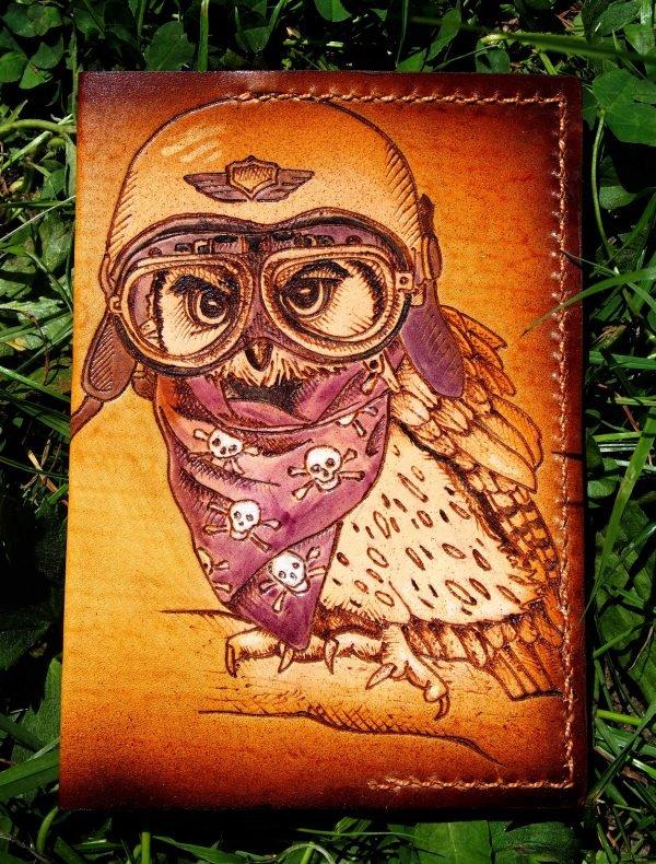 Кожаная обложка на паспорт Сова в шлеме фото 1