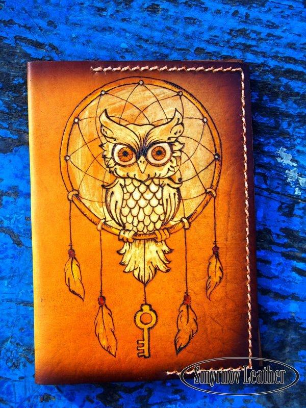 Кожаная обложка на паспорт Сова и ловец снов фото
