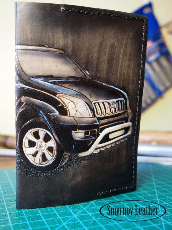 Кожаная обложка на паспорт Тойота фото