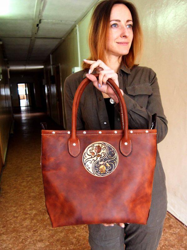 женская кожаная сумка шопер фото