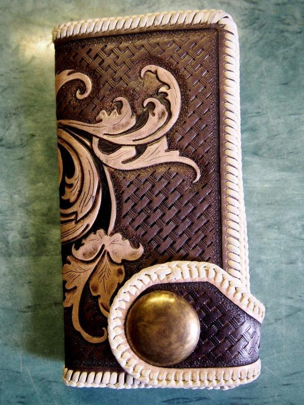 женский кожаный кошелек с узором фото 4