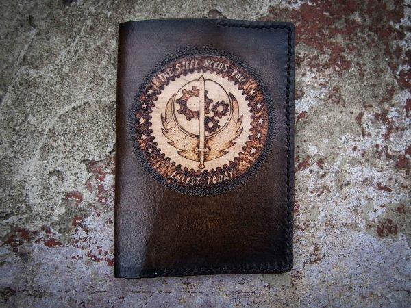Кожаная обложка на паспорт Меч фото