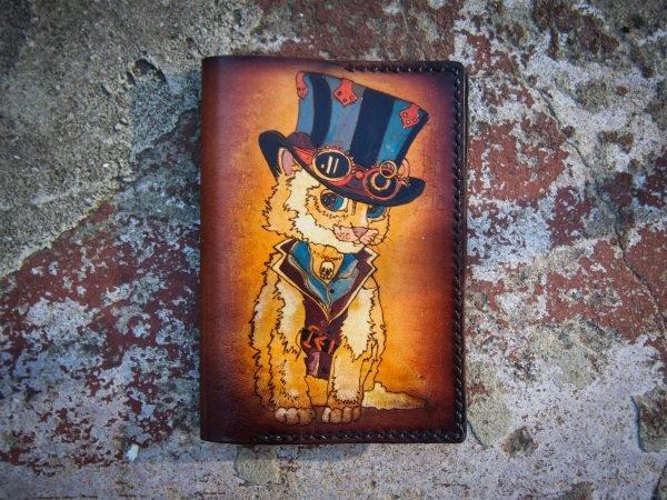 Кожаная обложка на паспорт Котик фото