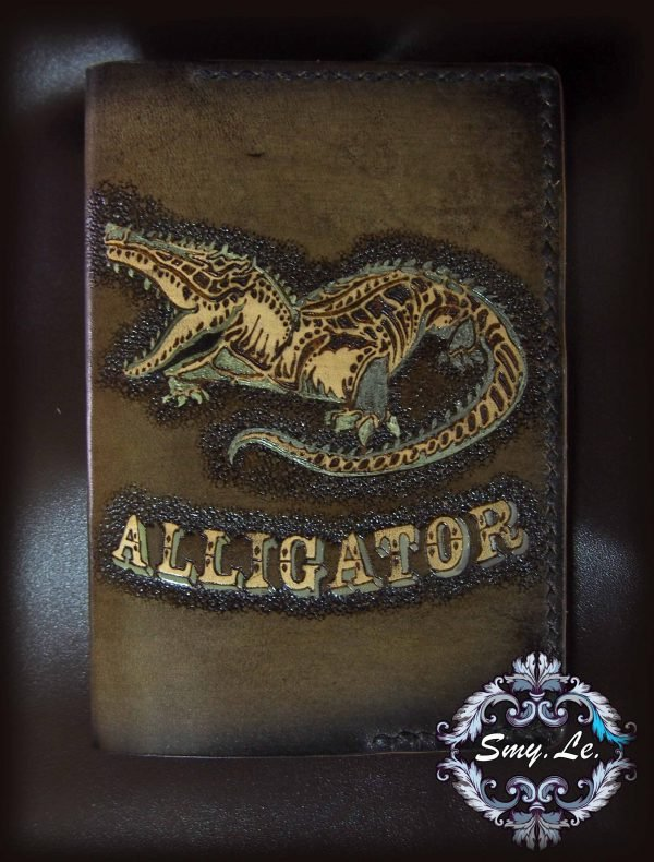 Кожаная обложка на паспорт Аллигатор фото