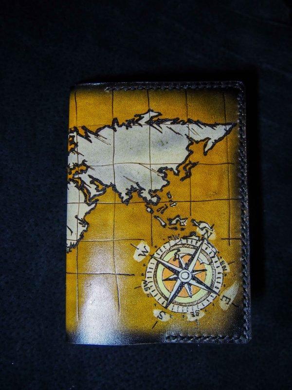 Кожаная обложка на паспорт Карта Мира фото