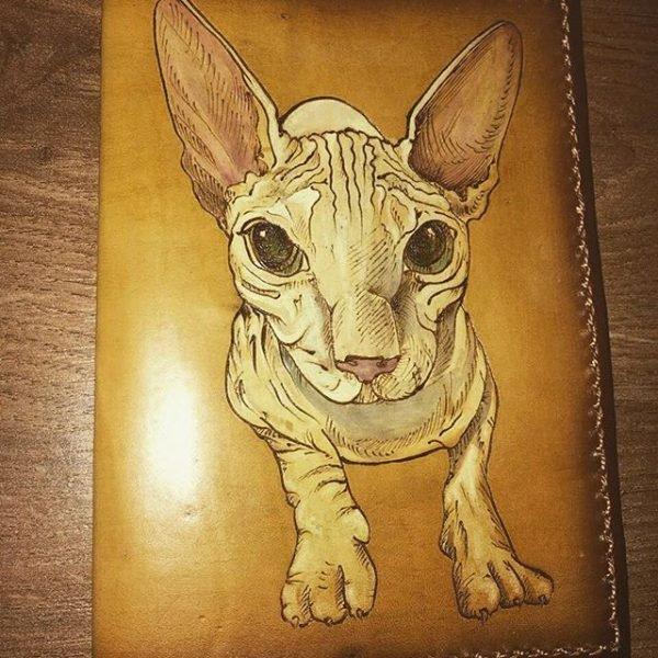 Кожаная обложка на паспорт Сфинкс фото
