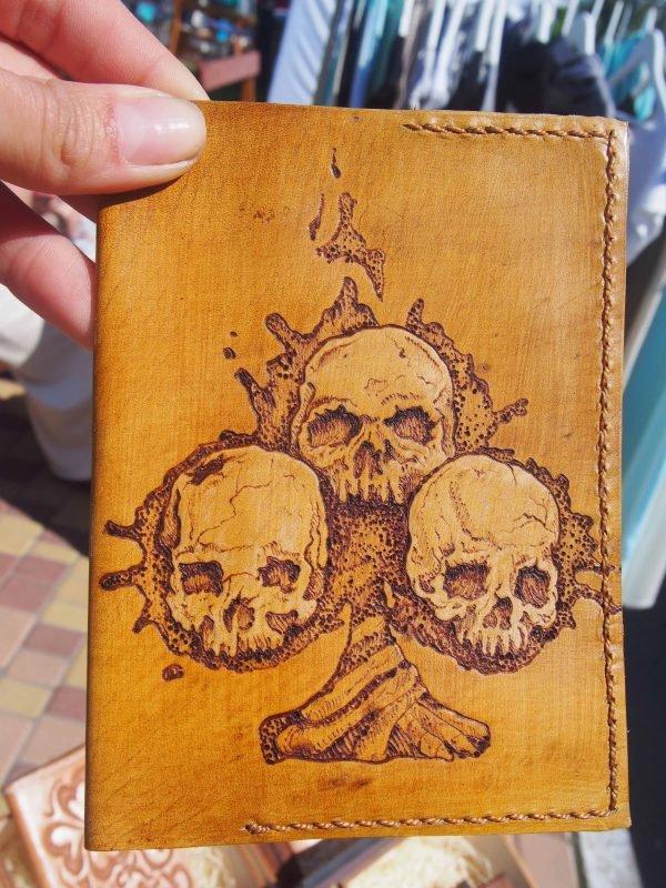Кожаная обложка на паспорт Черепа фото