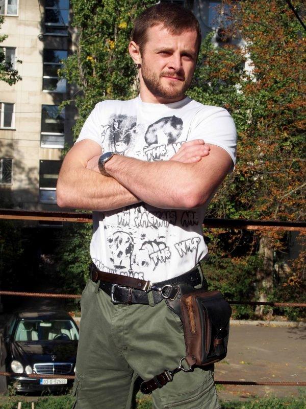 байкерская кожаная набедренная сумка фото 2