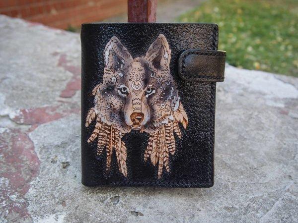 кожаное портмоне волк