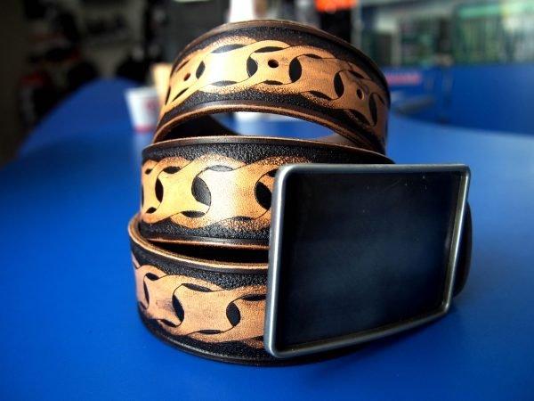 Кожаный ремень с узором фото 2