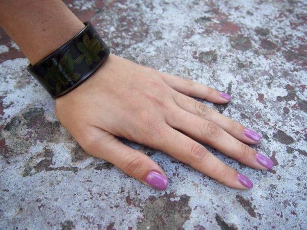 Кожаный браслет Зеленые листья