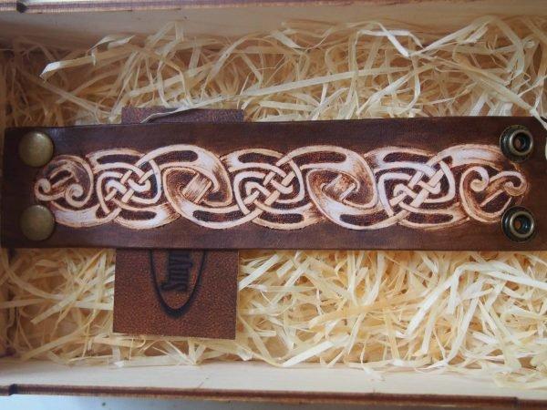 Кожаный браслет Кельтский орнамент 2