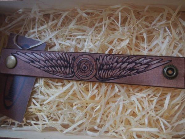 Кожаный браслет Крылья