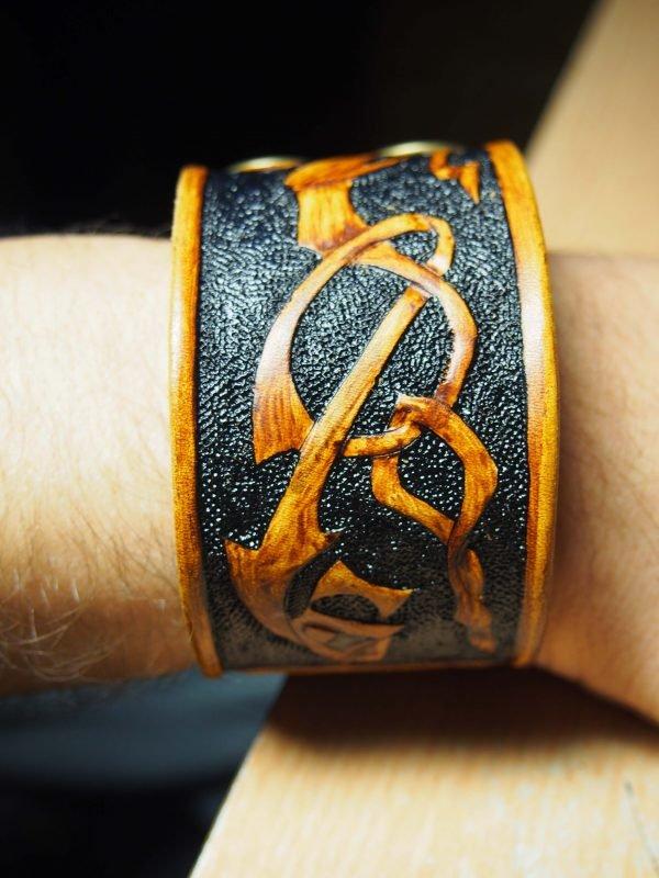 Кожаный браслет Дракон 3