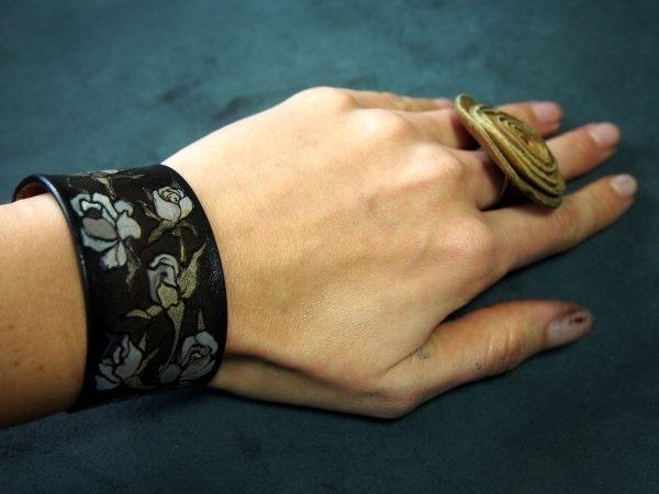 Кожаный браслет Розы 1