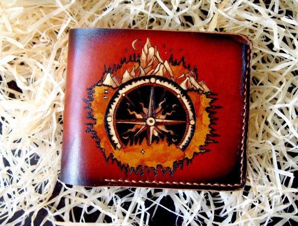 кожаный бумажник компас и горы фото 5