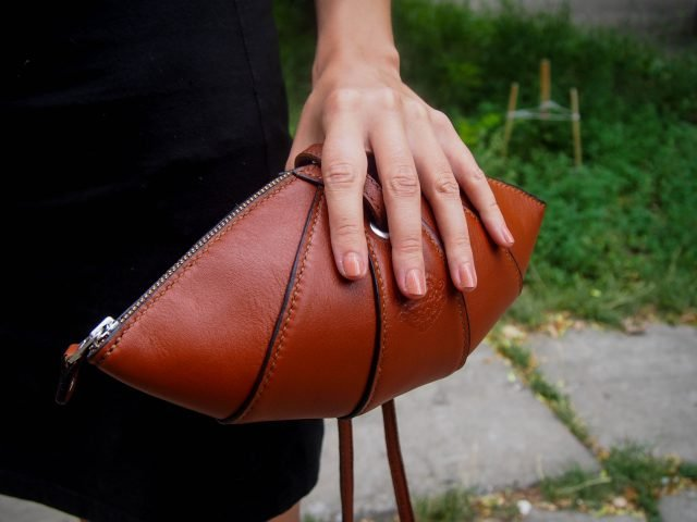Кожаная сумка Манго фото