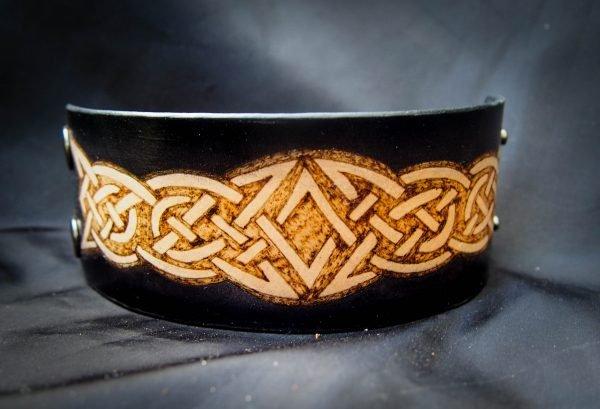 кожаный браслет орнамент фото