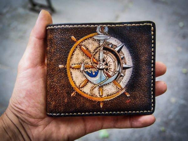 кожаный кошелек якорь и штурвал как подарок моряку фото