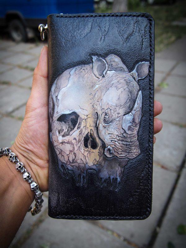 кожаный кошелек носорог и череп фото
