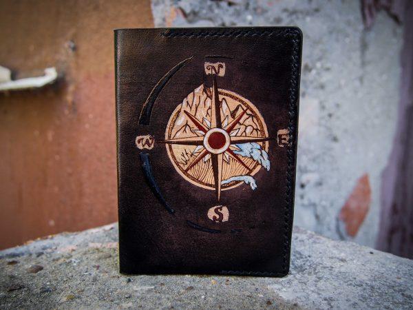 кожаная обложка на паспорт роза ветров фото