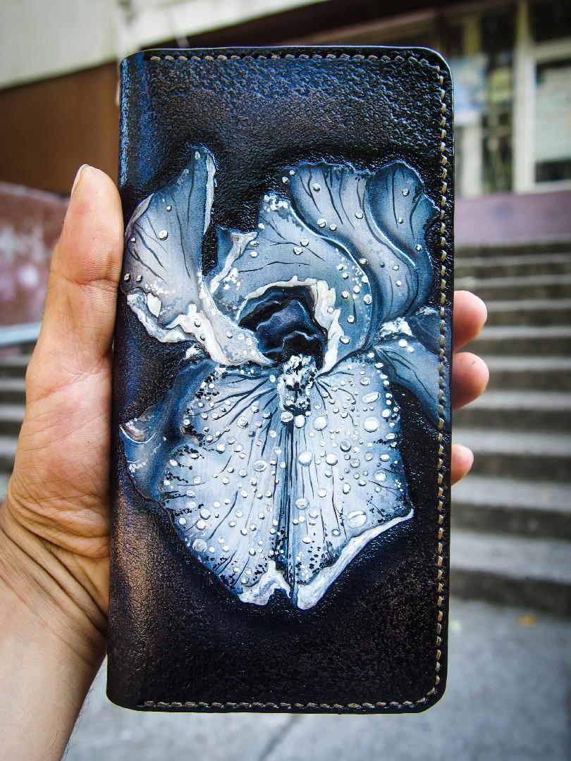 женский кожаный кошелек на молнии с ирисом фото 3